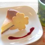 HAPPY cafe 食堂 - ケーキセット
