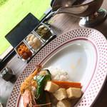 欧風カレー喫茶フランクリン - 野菜カレー  トッピングで有頭エビフライ追加