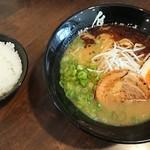 麺や はやぶさ - はやぶさらーめん ¥650 + 小ごはん ¥50