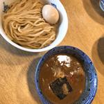 つけ麺 ジンベエ - ノーマルに卵トッピング 濃厚魚介豚鶏つけ麺