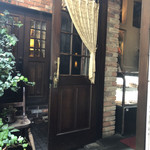 cafe 螢明舎 - 2階のお店の入口