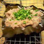 10680792 - 焼きながら食べていると塩辛に徐々に昆布の甘みが・・・美味でした!
