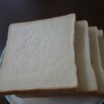 一本堂 - 一本堂食パン・耳が薄い