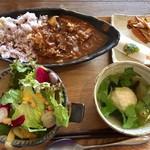 デンパタ - 料理写真:ハッシュドビーフランチ