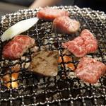 味ん味ん - 料理写真:炭火と網