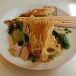 神戸元町別館牡丹園 - 麺リフト