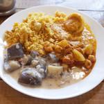 Venu's South Indian Dining - ランチビュッフェ(1000円) この日はチキンビリヤニ、カブチャナマサラ、玉子のカレー、ナスのカレー