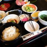 米沢牛・炭火焼肉 さか野 - 小鉢料理も白いご飯も美味しい♪