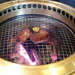 米沢牛・炭火焼肉 さか野 - 一度焼き!
