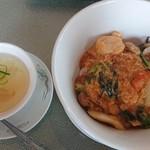 竹琳 - 料理写真:五目中華丼 ¥920(税抜) + スープ(干し海老・筍)¥100