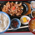 レストラン二条 - 料理写真:牛バラ定食
