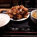 まんぼう - 料理写真:久しぶりのランチ唐揚げセット、ご飯大盛りバージョン