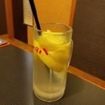つぼ八 - 凍らせレモンサワー 360円