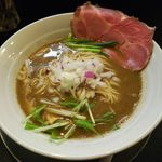 煮干し豚骨らーめん専門店 六郷 - 料理写真:濃厚煮干し豚骨らーめん