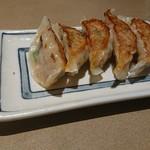 麺酒屋 蛸料理 一龍亭 - 餃子