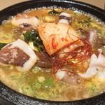 麺酒屋 蛸料理 一龍亭 - 明石蛸石焼ラーメン(韓国スープの辛口)