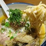 雨は、やさしく - 「白肝煮干 味噌」麺はこんな感じ