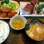 魚繁 - 料理写真:刺身三品ととりから!
