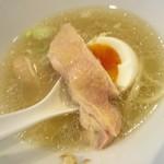 塩生姜らー麺専門店 MANNISH - 煮鶏味玉