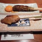106852500 - 【焼物】比内地鶏 手羽先串、手ごねつくね串