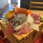 106860317 - 海鮮丼