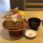106860318 - 海鮮丼