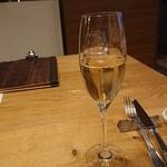 レ・カネキヨ - シャンパンで乾杯