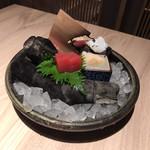 新炉ばた 銀炉  - 刺身盛り合わせ(1人前)¥1,980