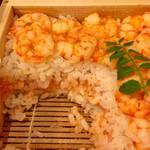 桂新堂 百福庵 - ご飯の間には、赤海老のそぼろが
