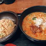 東竜 - 担々麺と小炒飯
