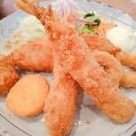 カントリーキッチン アン - 料理写真:エビ、ホタテ、白身魚、牡蠣、イカリング