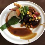 中華バルSAISAI。 - 豚角煮マッシュポテト添え       きゅうりの飾り切りは和の手法、見た目も良いね!