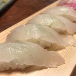 都寿司 - ひらめ