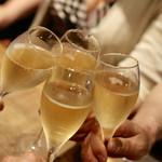 餃子とスパークリング バブルス - シャンパーニュで令和の乾杯♪