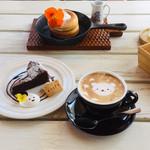 アールカフェ - 上:米粉のパンケーキ