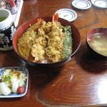 扇寿司 - 料理写真:天丼(並)・・・天丼と味噌汁とお漬物のセットです。