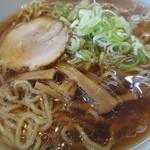麺や 由布 - 醤油ラーメン600円