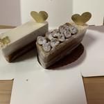 バニーユ - 料理写真:左: ロワイヤル 432円 / 右: ピエモンテ 453円