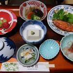 旅館 山本荘 - 料理写真:二日目の夕飯