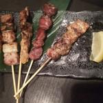 106908802 - 肉の串焼き5種類980円♪