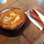 バッケンバルト - 料理写真:オニオングラタンスープ550円