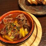 シモキタザワテラス パーネズハウス - お肉とはしご酒(牛肉のステーキアヒージョ)