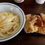 106917381 - 釜玉うどん+天ぷら