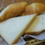 106926605 - カフェ:ブイヤベース(パン)