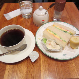 ビクトリー - ◆2014年現在¥390◆モーニングミニサンドセット¥380(珈琲付き)