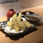 マグロ 日本酒 吟醸マグロ - 春野菜盛り合わせ(新玉ねぎ、タケノコ、オクラ、ミョウガ、さつまいも)