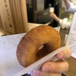 豆腐庵山中 - うのはなドーナツ100円。周りはサクサク中はもっちり。揚げたてなのもあるだろうけどかなり美味しかった!
