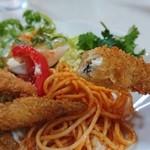丹沢湖レストハウス - サクッとした食感に熱々のわかさぎ。お酒が飲みたくなります(^^ゞ