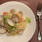 テルツィーナ - 料理写真:ハマグリとフレッシュトマト~留萌産小麦ルルロッソを使った自家製タリオリーニ