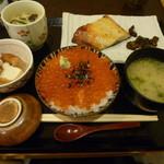 築地 いま津 - 銀ダラ西京焼き定食(イクラごはん)
